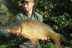 Martin mit Doppelschlag aus einem sehr schwierigen Gewässer: Hier ein Fisch mit 14 Pfund