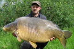 Martin mit einem massiven 44 Pfund Spiegler